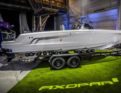 Axopar-22-Spyder-gallery_24_C4A1348__ScaleWidthWzQ2MF0